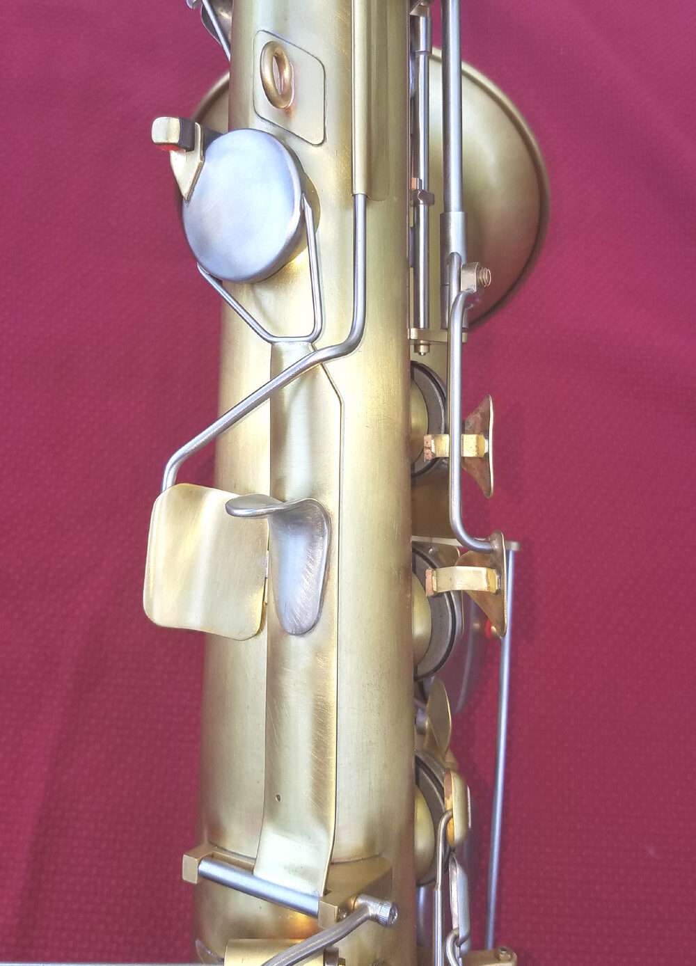 Photo of sax thumb keys